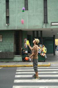 Jongleur dans la rue