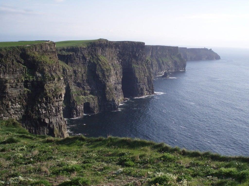 1200px-Ireland_CliffsMoher